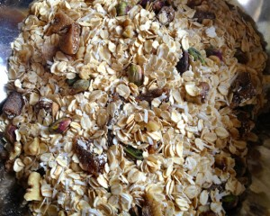 Fig and pistachio muesli