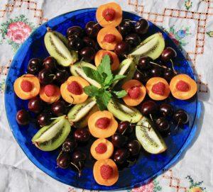 vegetarian christmas fruit platter